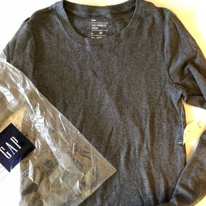 Brand New Favorite Long-Sleeve GAP Crew M